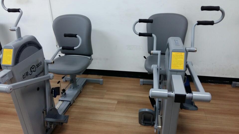 체력단련실 운동기구