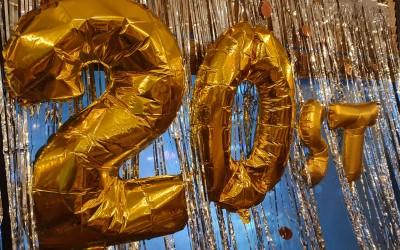 20주년을 기념하는 파티 풍선